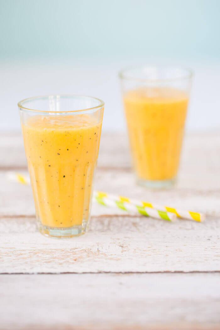 Orange-pineapple-mango-smoothie